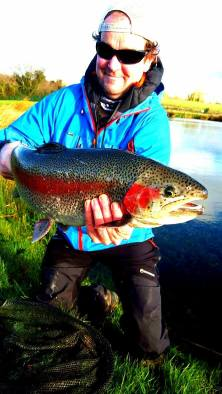 A 16lb Ardaire Springs Rainbow caught on a Bloodworm